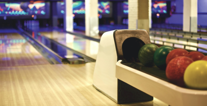 Reasons to opt for bowling with your family and friends